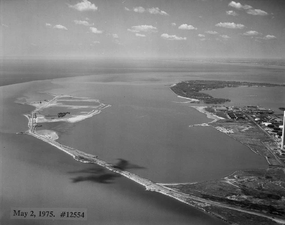 Aerial view of Leslie Street Spit, May 2, 1975.