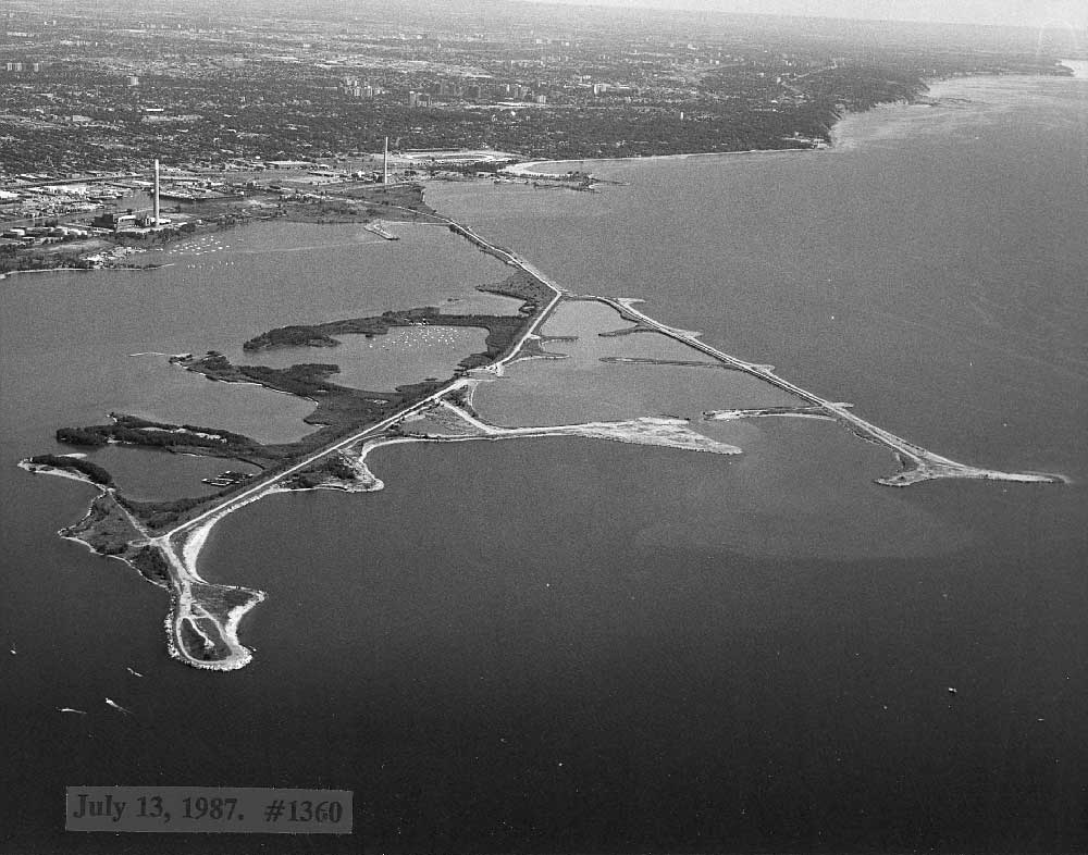 Aerial view of Leslie Street Spit, July 13, 1987.