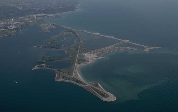 Aerial view of Leslie Street Spit, 1998