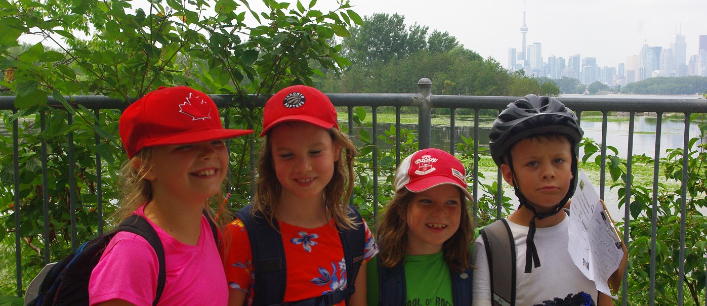 summer campers enjoy Nature Camp on the Spit at Tommy Thompson Park